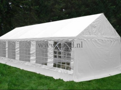 598. Partytent